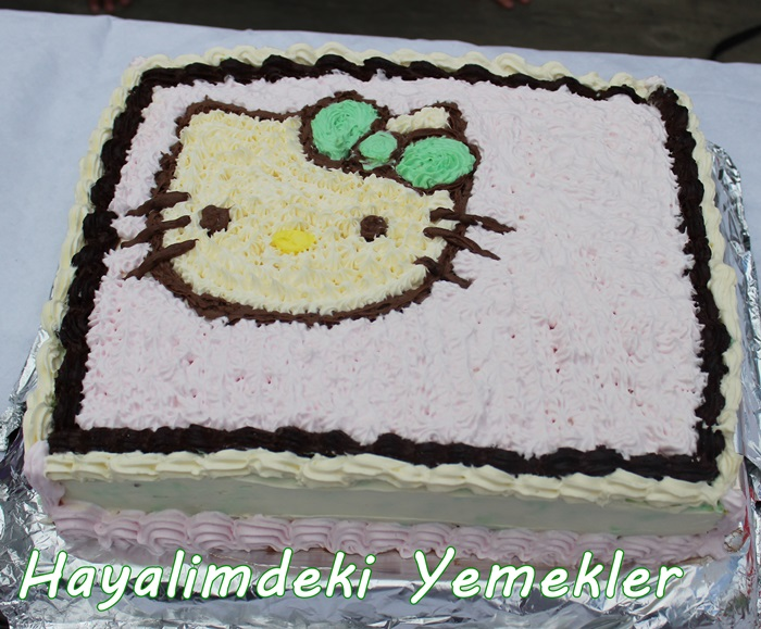 kremalı hello Kitty